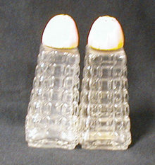 Salt & Pepper Shakers B593