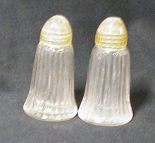 Salt & Pepper Shakers B594