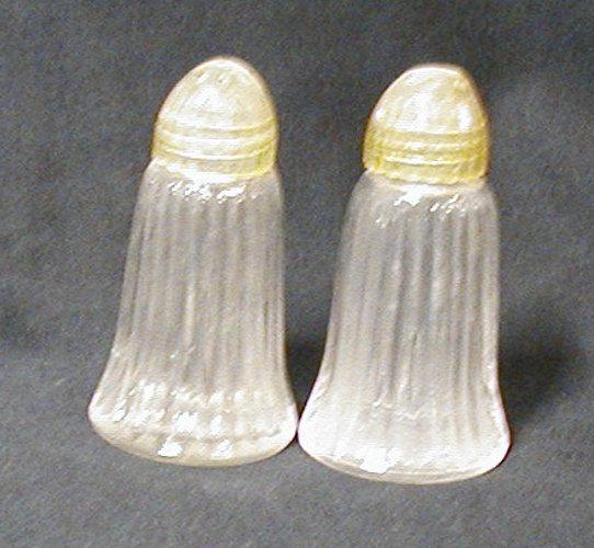 Salt & Pepper Shakers B594