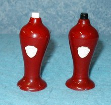 Salt & Pepper Shakers B2897