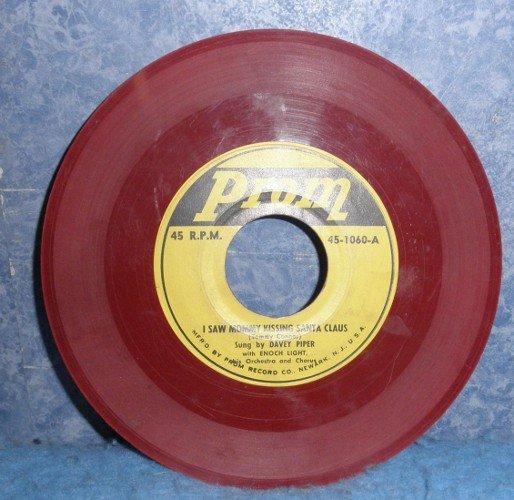 Record 78 rpm I Saw Mommy Kissing Santa Claus B4984