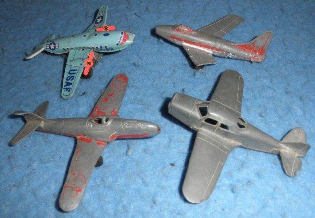 (4) small airplains  B5110