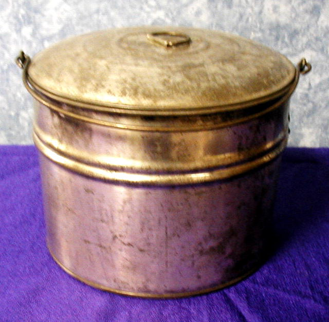Berry Bucket/Tin with lid