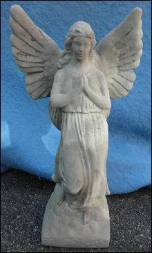 Statue Praying Angel