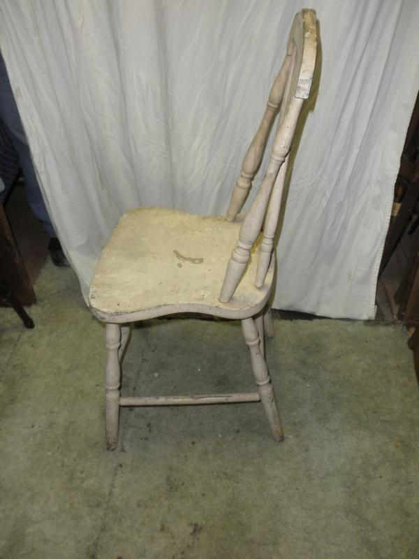 B5397  Vintage/Antique  Solid chair painted off white