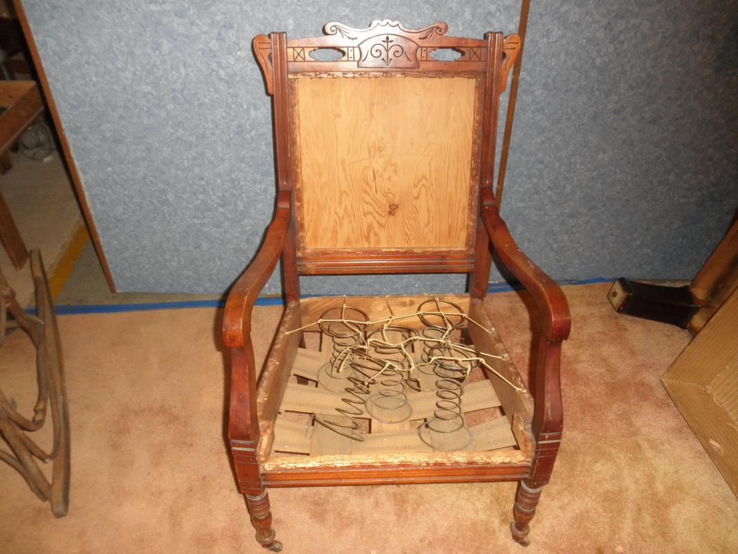 B5400  Vintage Collectable Victorian Armed Chair