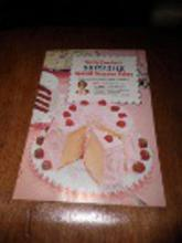 Betty Crocker's Softasilk Cakes Cookbook B4575