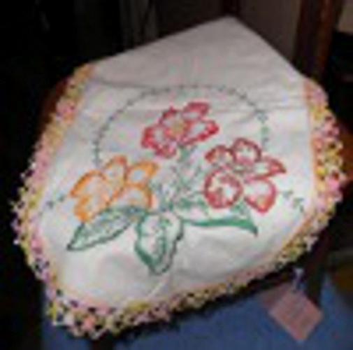 Dresser Scarf - Embroidered - Floral B4533