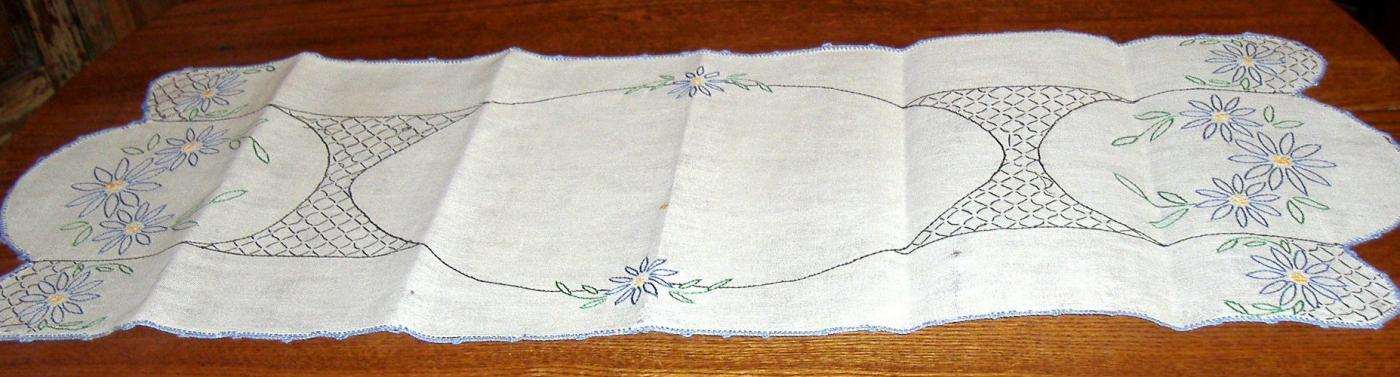 Dresser Scarf with Blue Flowers B3486