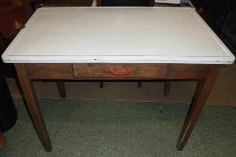 Enamel Top Table B4940