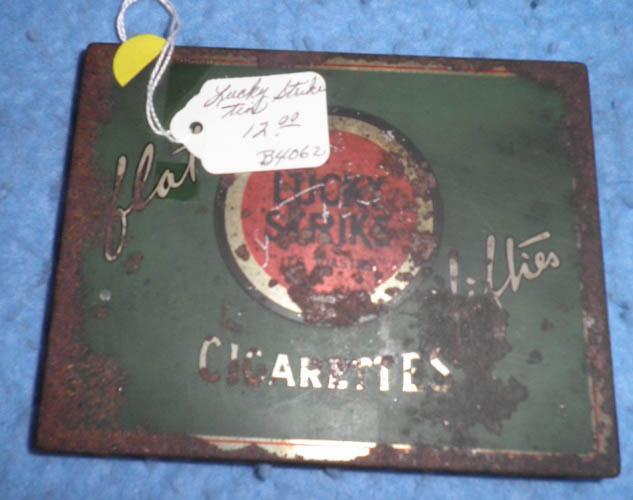 Lucky Strike Cigarette Tin B4062