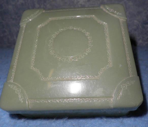 Plastic Box - Green - Square B4625