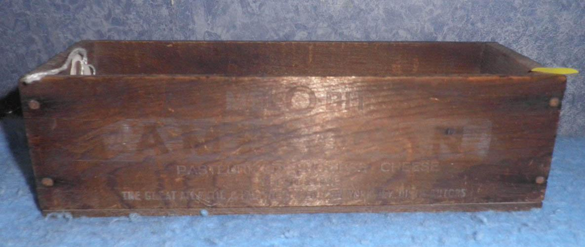 Wooden Cheese Box B4835