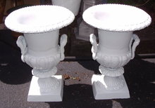 Flower  Urns - White / Metal