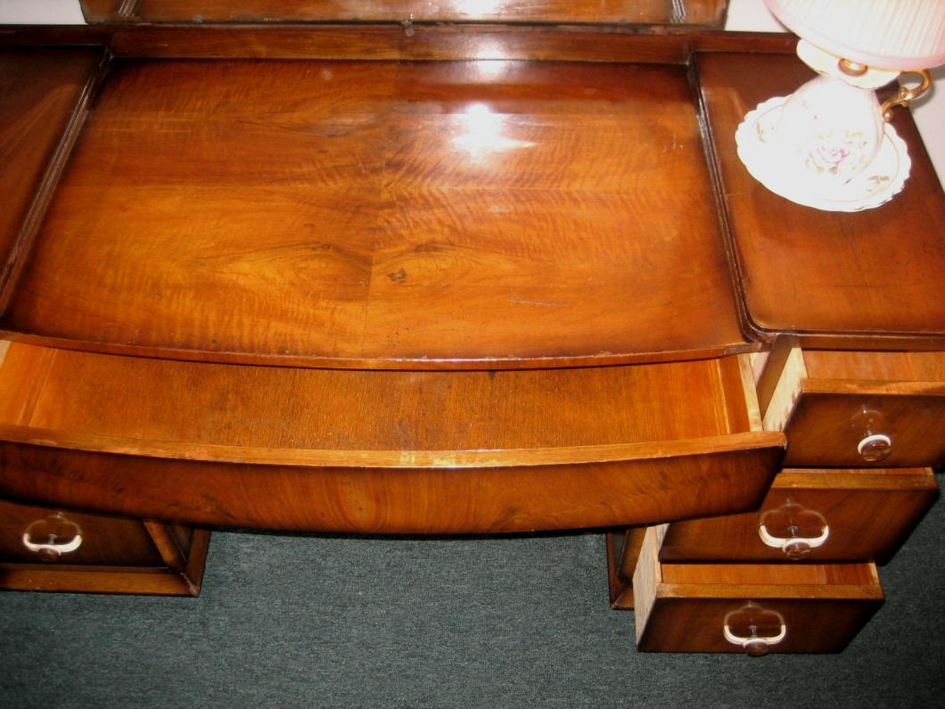WONDERFUL English Art Deco Period Walnut vanit