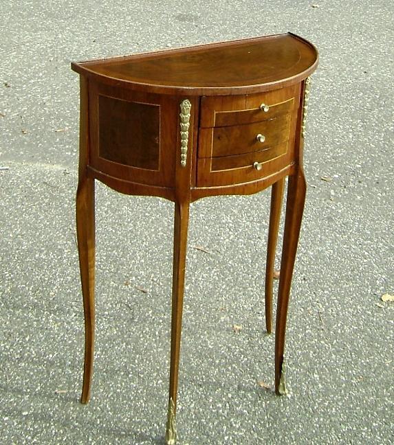 Very nice Louis XV style half moon wine table