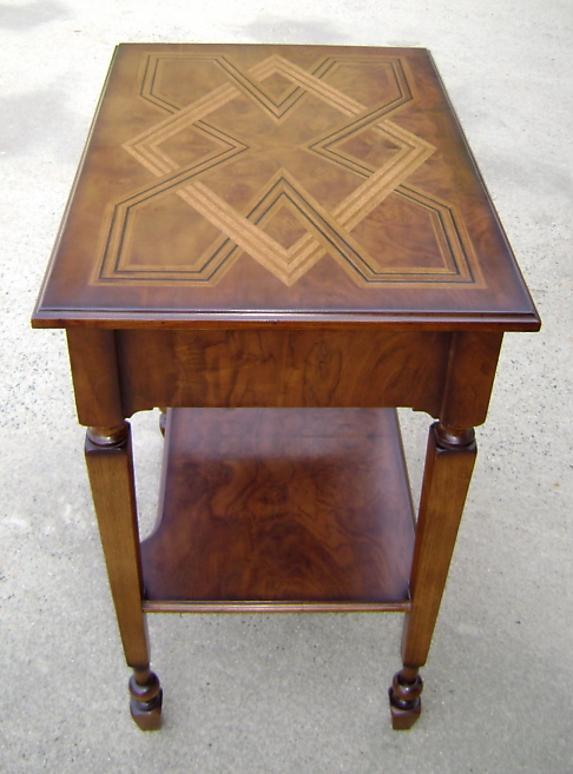 Quality English marquetry Inlaid walnut table-desk