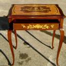 Very elegant Louis XV style marquetry Lady's desk