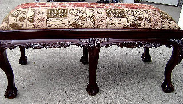 Quality Chipp. 2 SEATER Mahogany six legged stool
