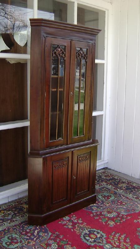 Quality solid Mahogany Victorian corner cabinet