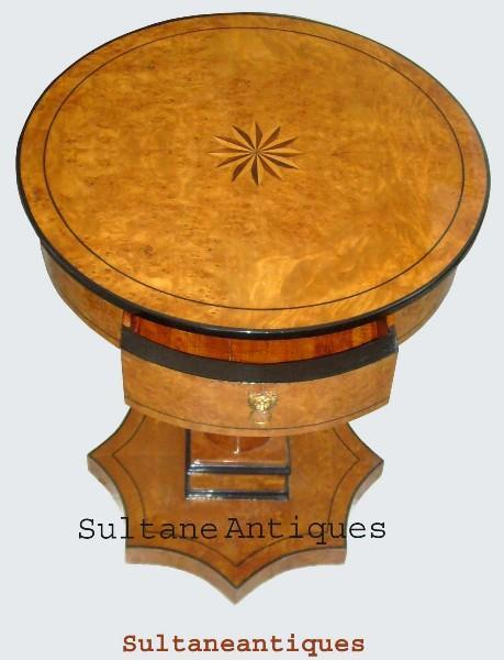 QUALITY Biedermeier  Round shaped Side Table