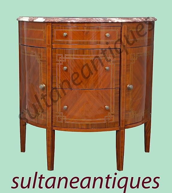 GORGEOUS Halfmoon chest in French Regence style with 3