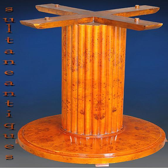 Great Biedermeier Elm 48 inches round center table