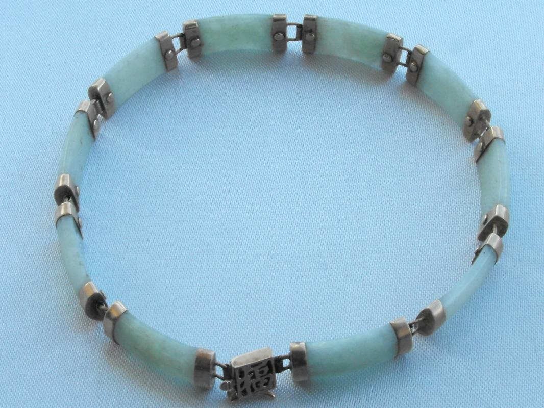 10 K YELLOW GOLD JADE TENNIS BRACELET