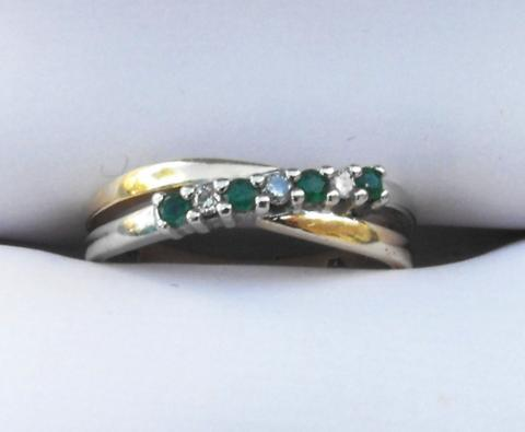 DIAMOND AND EMERALD 10K GOLD RING