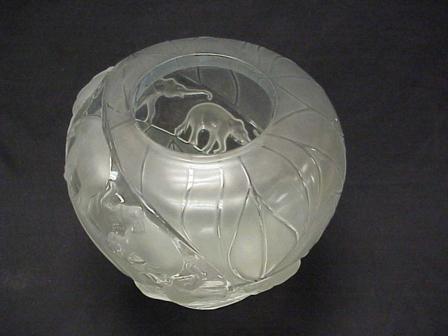 Lalique France Clear & Frosted Glass BORNEO ELEPHANTS Vase 12
