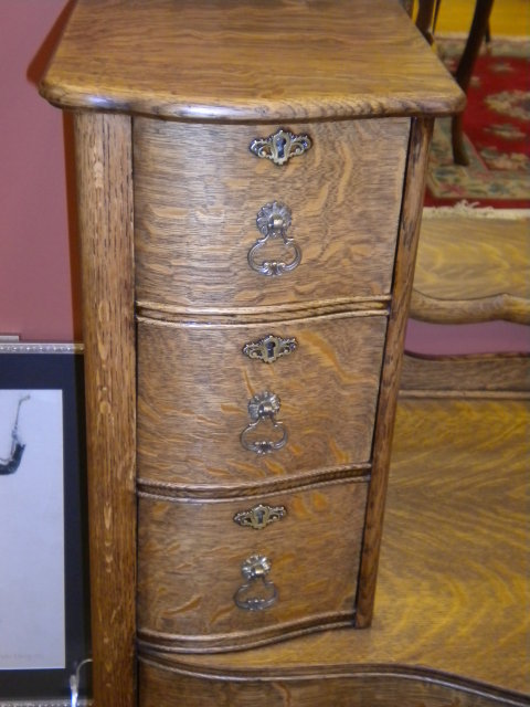 Dresser (Karges)