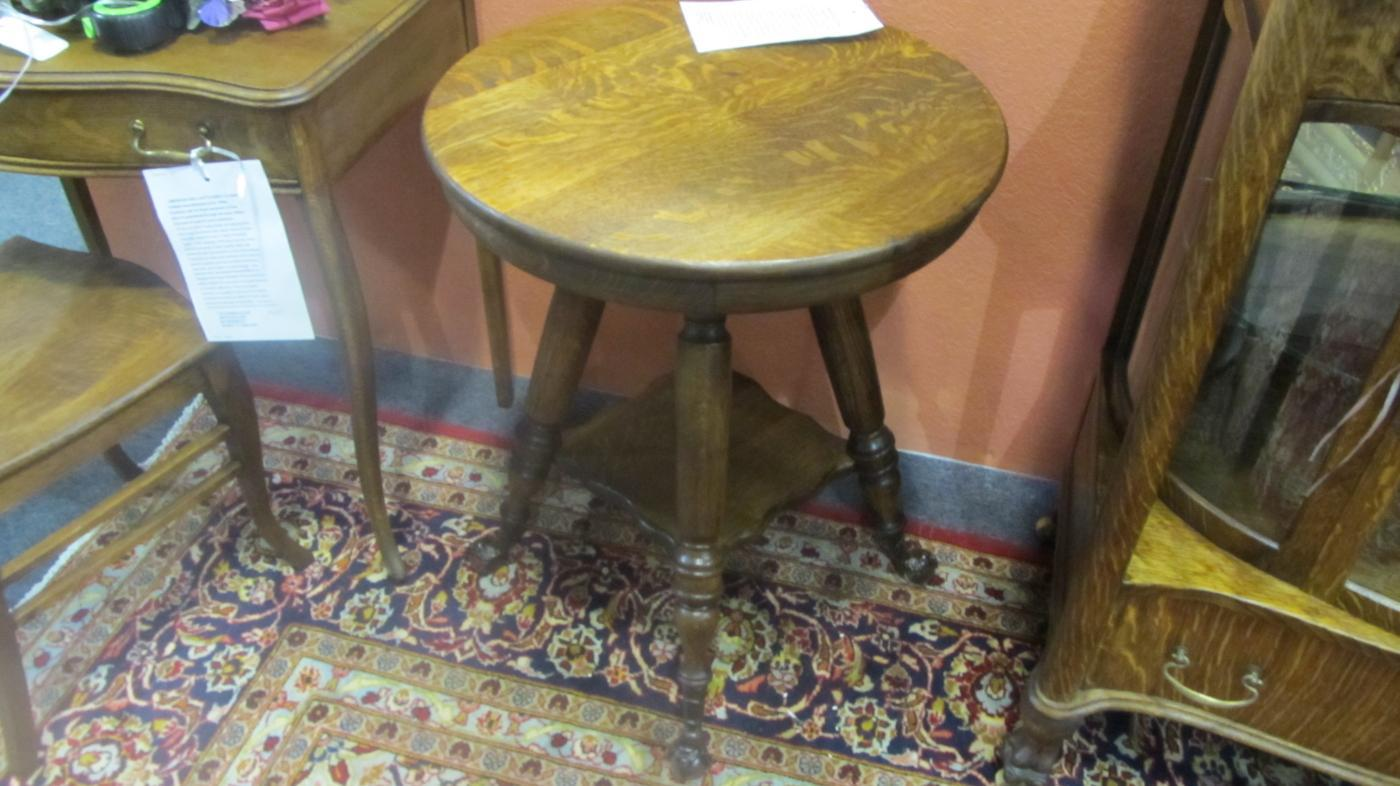 American Oak Parlor Table (Round, Small, Clawfeet)