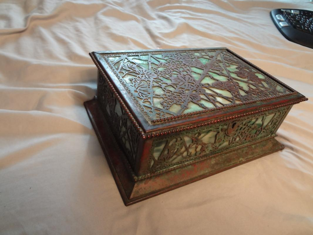 Impressive Tiffany Studios LCT Green Favrile Glass Grapevine Cigar Box