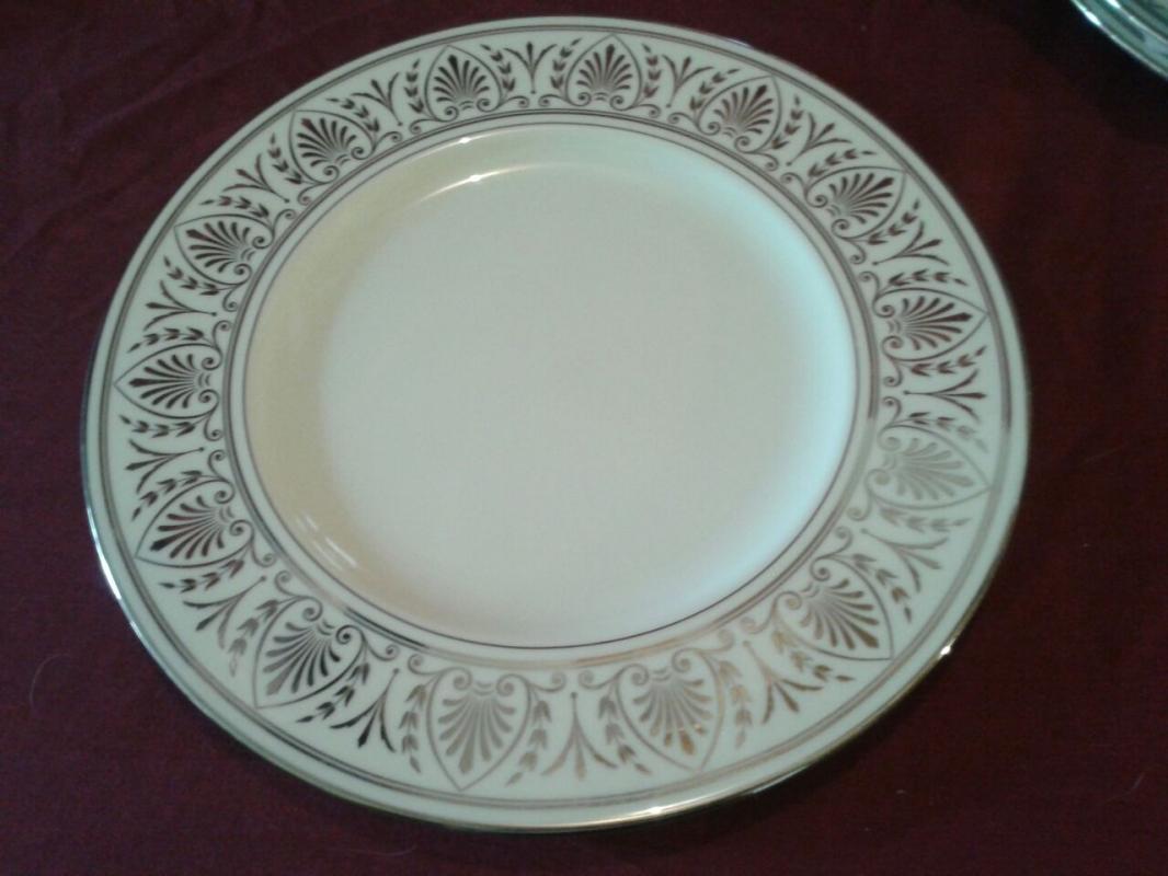 Set of 12 Lenox Luncheon Plates