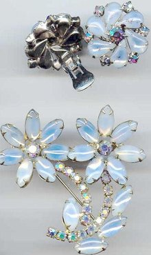 SALE Big Flower Pin and Earrings. Blues
