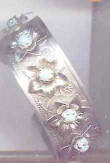 SALE Silver tone Bracelet with faux turquiose