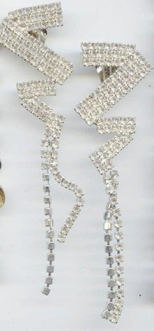 SALE Sizzling Long z Rhinestone Earrings  Clip