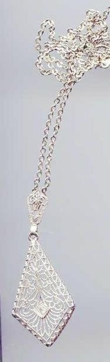 SALE 14kt filigree necklace  With Diamond