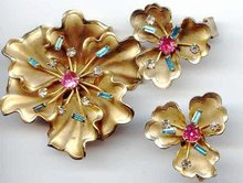 SALE Stunning  Rhinestone Flower Pin and