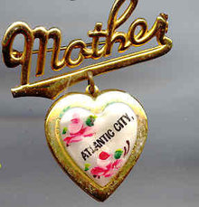 SALE Mother Locket Vintage   Atlantic City