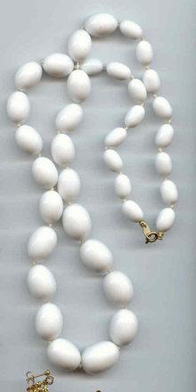 SALE Trifari White Graduated Necklace