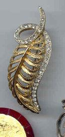SALE Elegant Vintage Feather and Rhinestone Pin