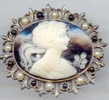 SALE Elegant Black Cameo Pin