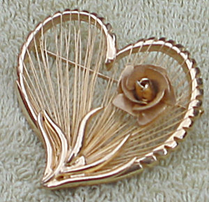 Vintage goldtone costume jewelry Heart Rose Pin