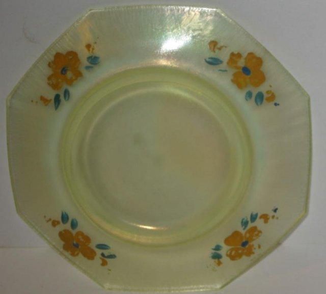 Daisy Vaseline Glass Dish