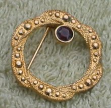 Circle Wreath Pin Brooch