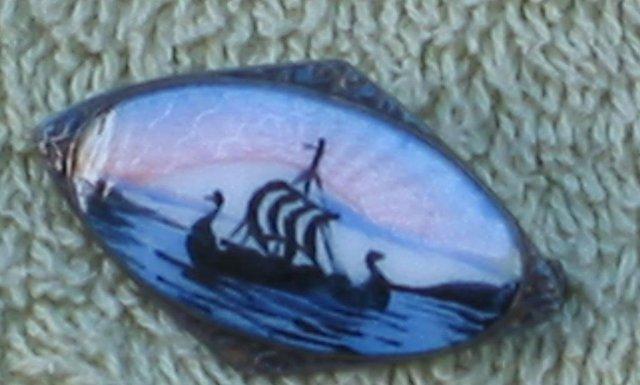 Niagara Falls Souvenir Pin