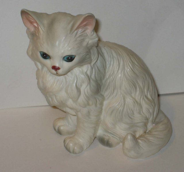 old vintage LEFTON WHITE SIAMESE CAT figurine
