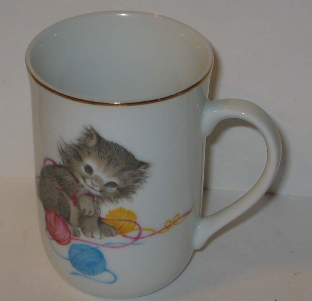 old vintage playful CAT COFFEE MUG CUP