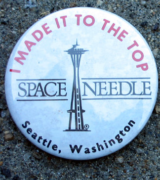 old vintage SPACE NEEDLE PINBACK ~ SEATTLE WA